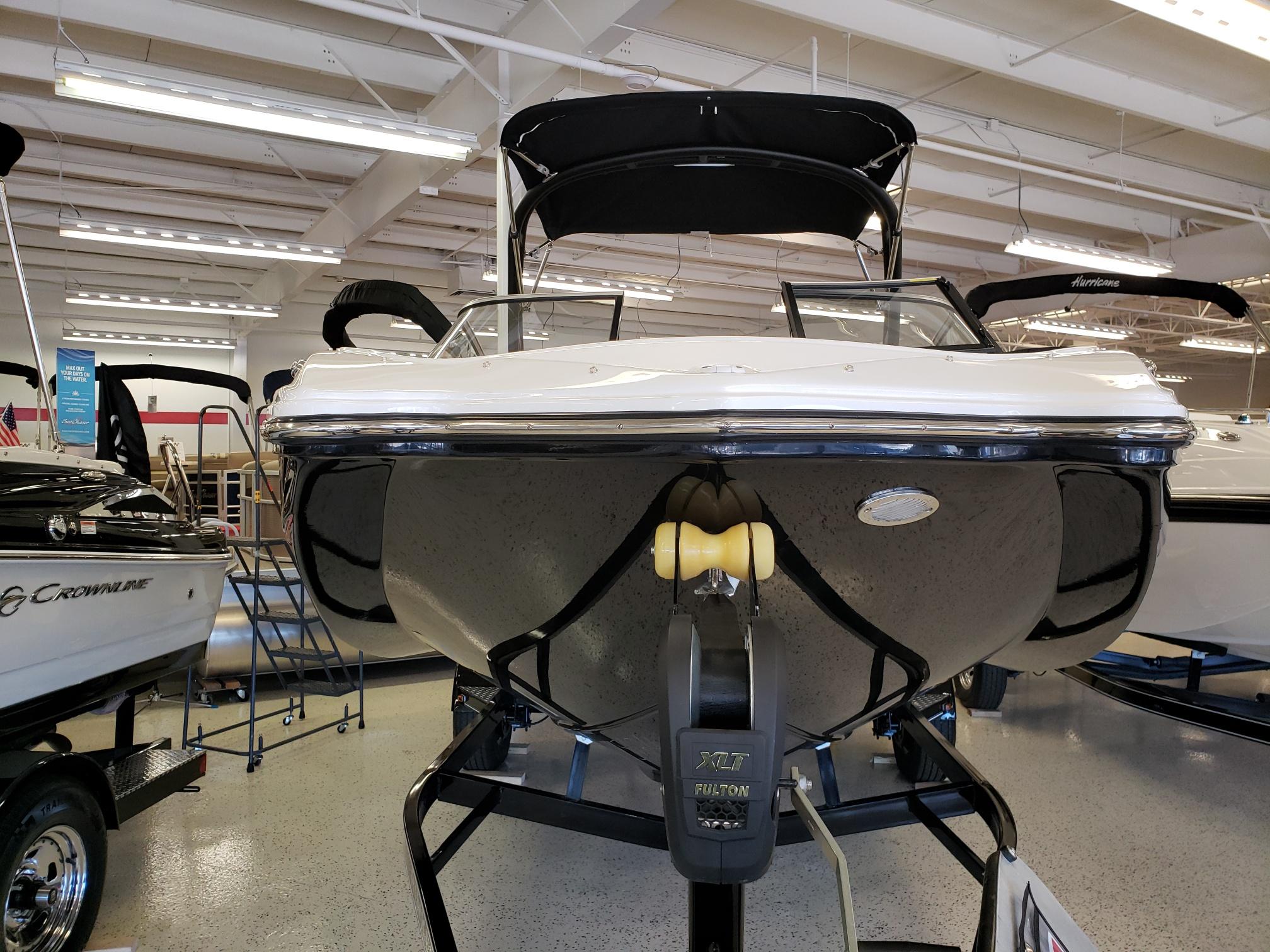 Rinker 20 MTX / Stern Drive Model