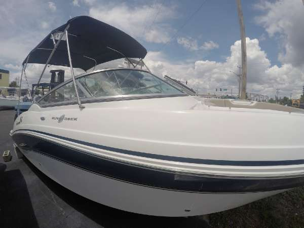 HURRICANE BOATS SD 2690 OB