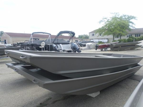 Xpress Boats 1650HID