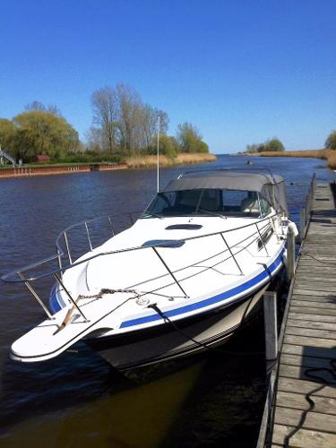 Wellcraft St Tropex Ex 3200 Docked