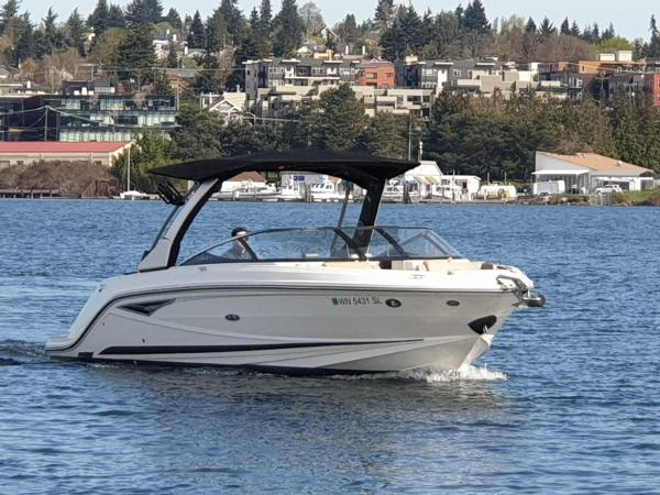 Sea Ray SLX 280 Profile