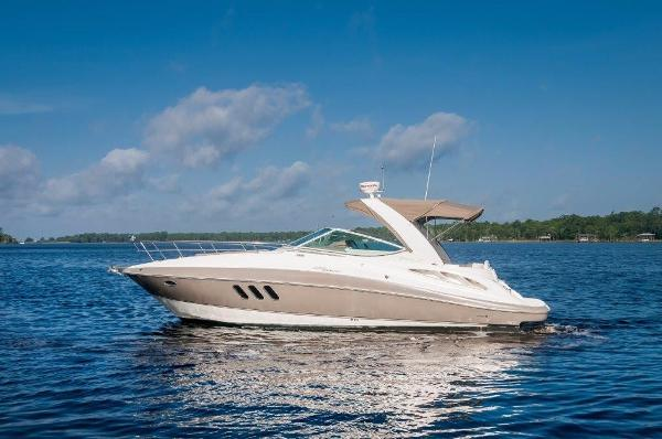Cruisers Yachts 330 Express Port Profile