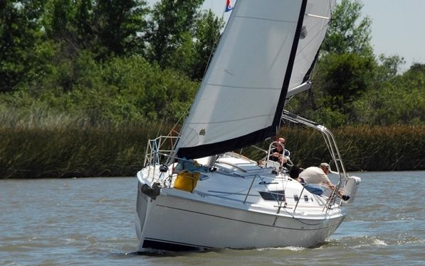 Hunter 31 Exhilarating  Sailing
