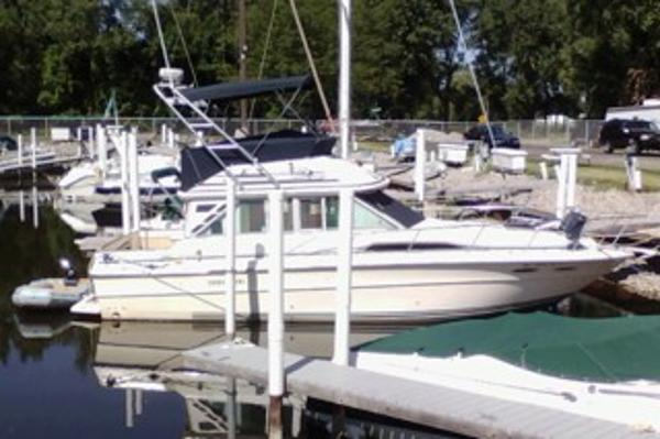Sea Ray 340 Sedan Bridge Starboard