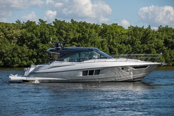 Cruisers Yachts 45 Cantius Black Diamond Cruisers 45 Cantius 2017 - Profile