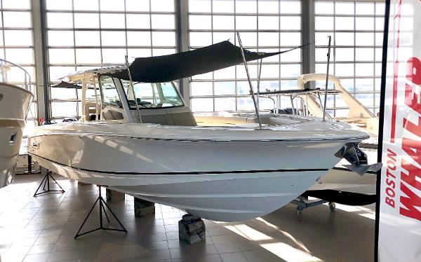 Boston Whaler 380 Outrage Boston Whaler 380 Outrage