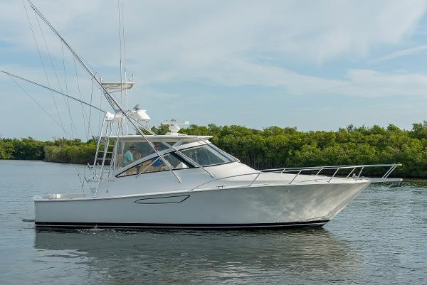 Viking 42 Open HMY 42 Viking Trade 1