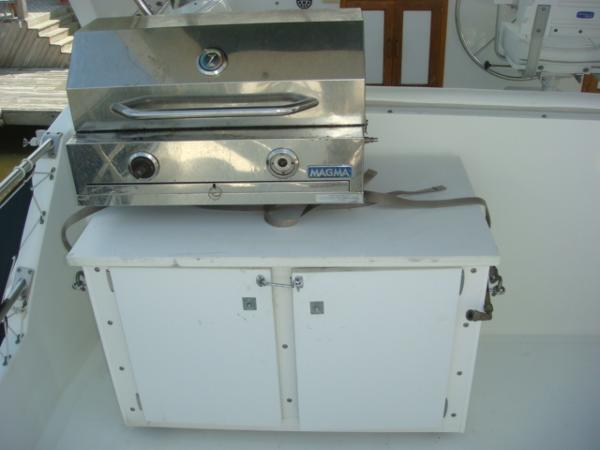 60' DeFever flybridge BBQ grill