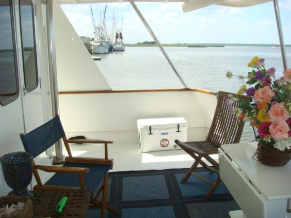 60' DeFever aftdeck starboard