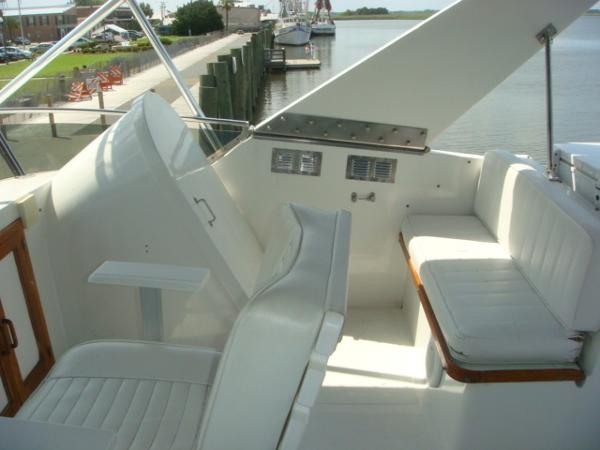60' DeFever flybridge starboard