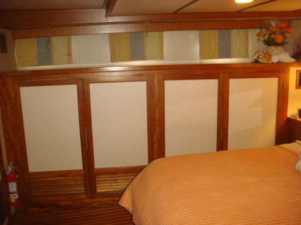 60' DeFever master stateroom starboard