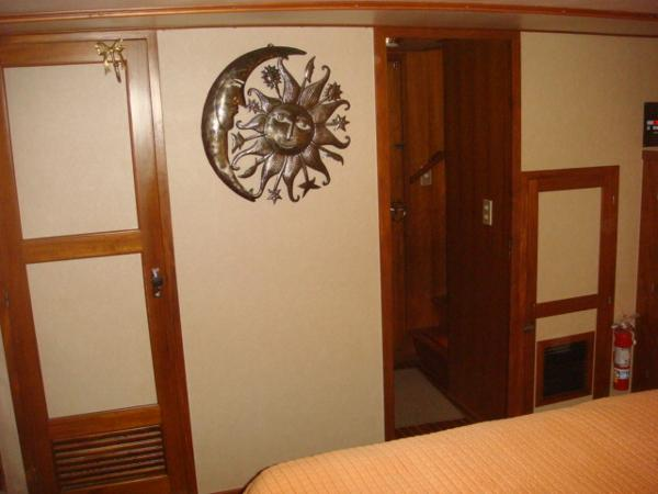 60' DeFever master stateroom forward