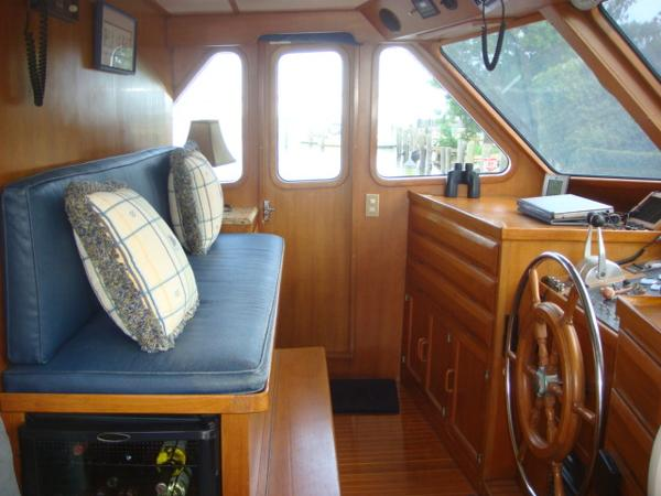 60' DeFever pilothouse port