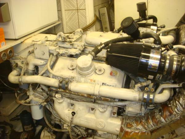 60' DeFever starboard main engine