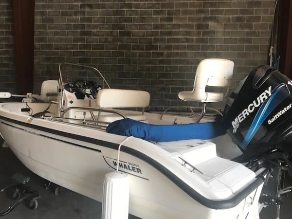 Boston Whaler 180 Dauntless