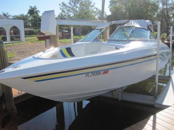 Vip Vindicator 2440 Bowrider