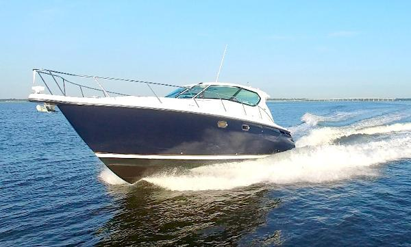 Tiara 4300 Sovran Port Bow Running Shot