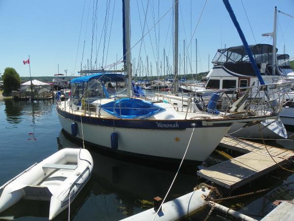 Irwin 37 mk 4 dockside