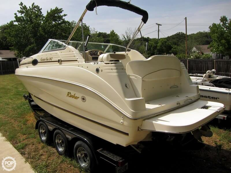 Rinker Fiesta Vee 242 2001 Rinker Fiesta Vee 242 for sale in Galveston, TX