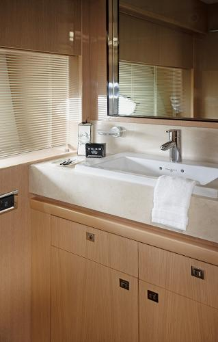 Princess V85-S Forward Cabin Bathroom