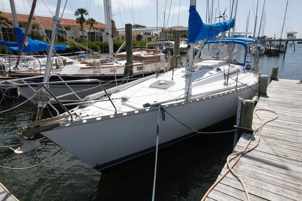 Beneteau First 42 Shallow Draft