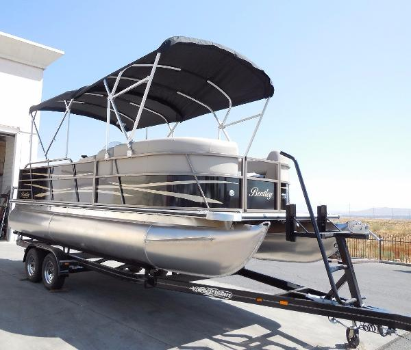 2018 Bentley Pontoons 220 CRRE, Perris California