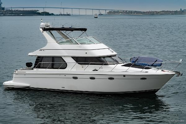 Carver Voyager Pilothouse 45' Carver Voyager 'THE LUSH PUPPY'