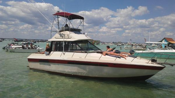 Chris-Craft 335 Commander Starboard Side At Crab Island