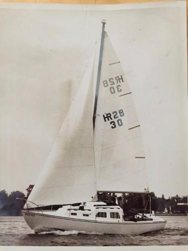 Hinterhoeller HR28 Brochure sailing shot