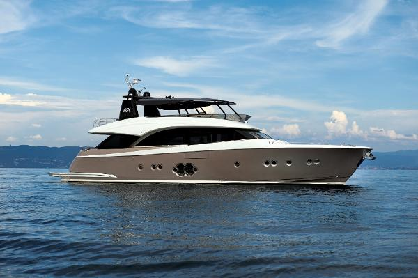 Monte Carlo Yachts MCY 86 Monte Carlo Yacht MCY 86