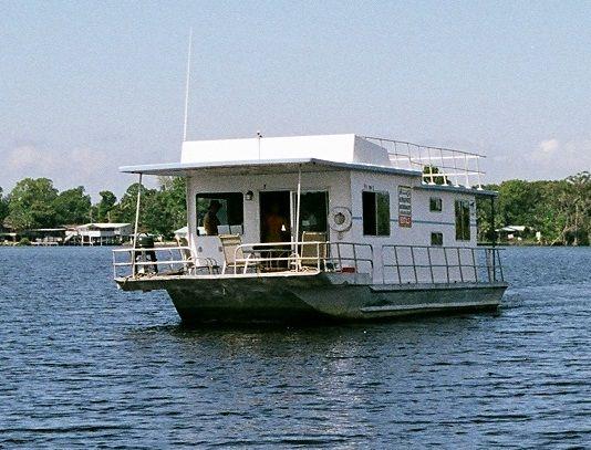 Hilburn Custom House Boats  Photo 1
