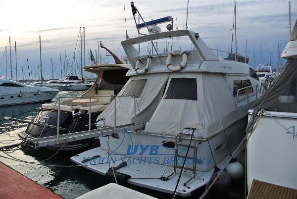 Ferretti Yachts Altura 44 001