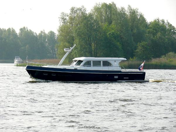 Privateer Elegance 46 Manufacturer Provided Image: Privateer Elegance 43