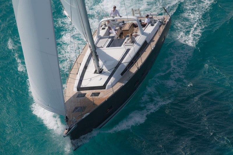 Beneteau Oceanis 55 Beneteau Oceanis 55 - Hull profile