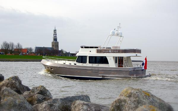 Manufacturer Provided Image: Privateer Flybridge 49
