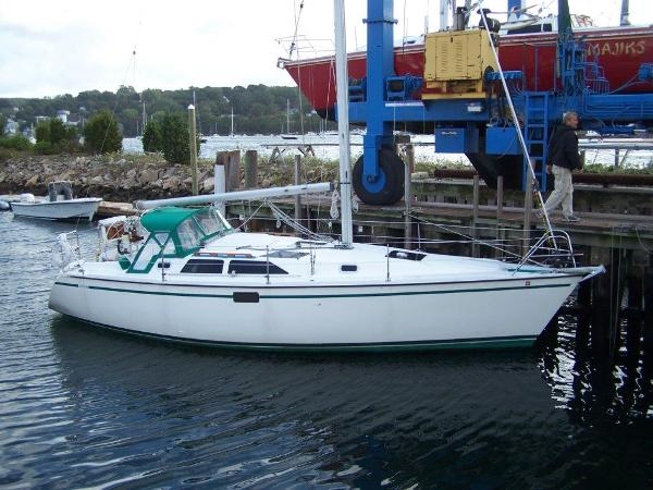 Hunter 33.5 Dockside
