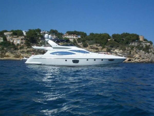 Azimut 68 Plus Azimut 68 Sailing