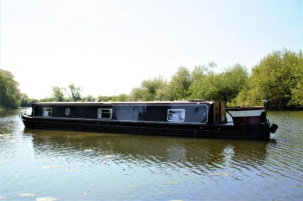 Narrowboat 60' Cruiser Aqualine Madison