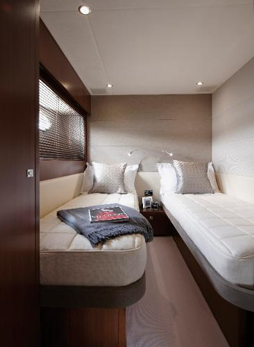 Princess V78 Port Twin Cabin