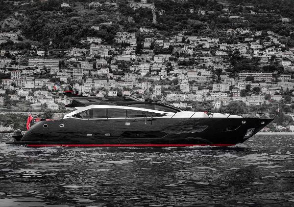 Sunseeker 101 Sport Yacht Sunseeker 101 Sport Yacht