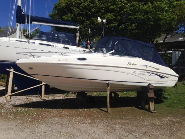 Rinker 232 Captiva Cuddy Rinker 232 Captiva Cuddy