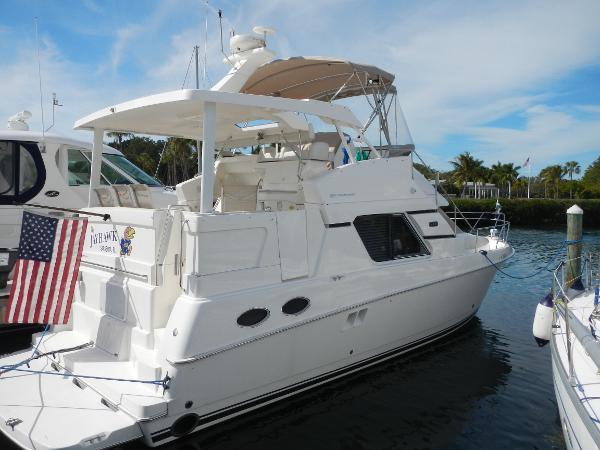 Silverton 392 Motor Yacht Diesel Power 2000 Silverton 392 Motor Yacht