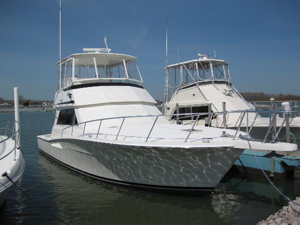 Viking 43 Convertible Profile