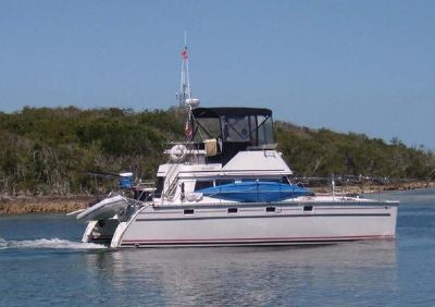 PDQ MV 34 Power Catamaran Profile