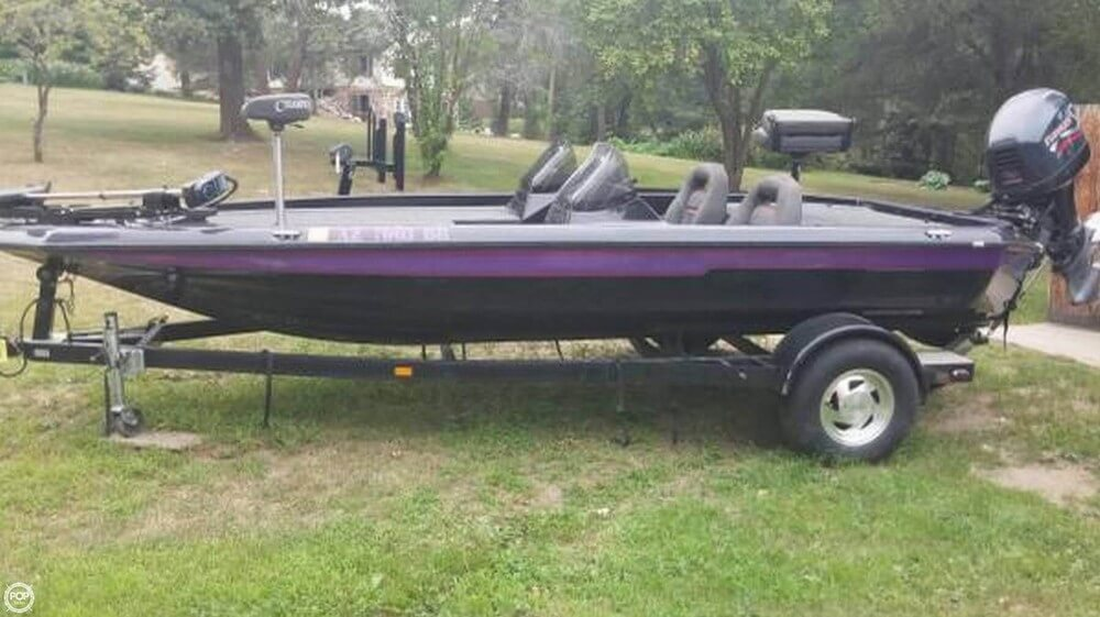 Champion Boats 187 ELITE 1999 Champion 187 Elite for sale in Osage, MN