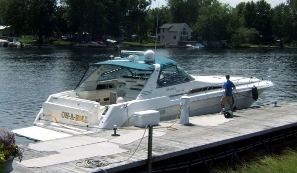 Sea Ray 500 Sundancer Photo 1