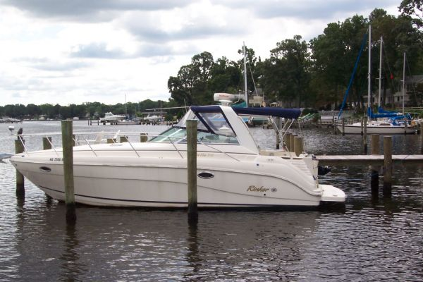 Rinker 310 Fiesta Vee Port View