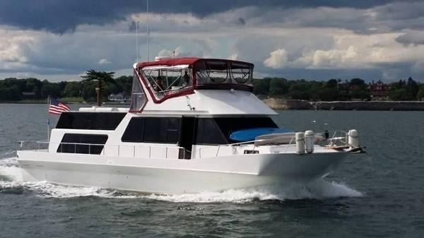 Holiday Mansion Coastal Commander