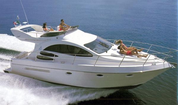 "Azimut 39 Flybridge ""Sistership"" Photo"