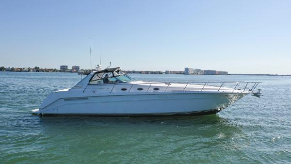 Sea Ray 500 Sundancer Profile